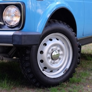 Диски ВАЗ-2121 Нива c хромированными колпачками ступиц