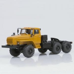 УРАЛ-44202-0311 седельный тягач